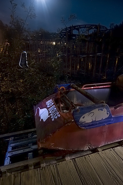 Mad Mouse  :::::  Rusting and decaying roller coaster ride.