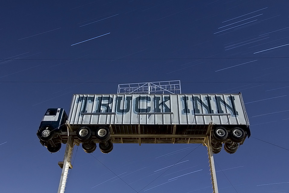 Space Truckin'  :::::  Truck Inn truck stop, Fernley, Nevada
