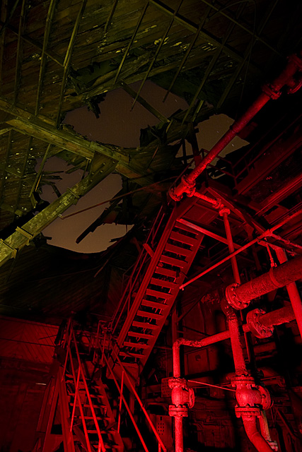The Poseidon Adventure of the Carribean  :::::  The base was so large that it required its own power station, partially burned down here.