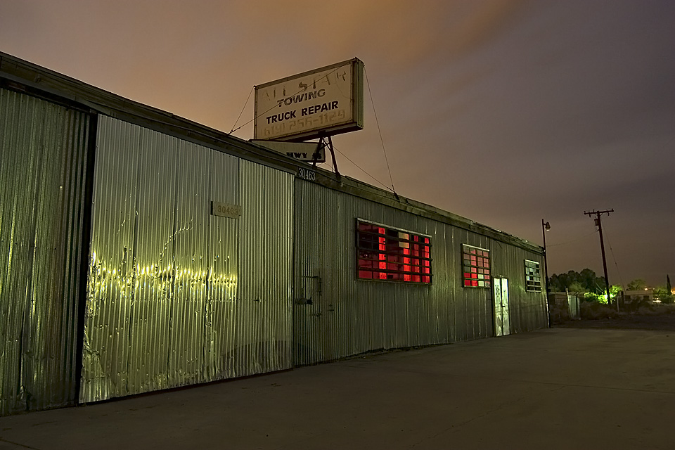 All Star  :::::  Almost every business on Old 58, along Barstow's northern approach, is closed now.
