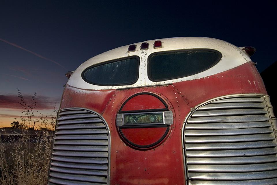 Fat Bob  :::::  2007  :::::  GM Silversides Bus  :::::  Williams, California