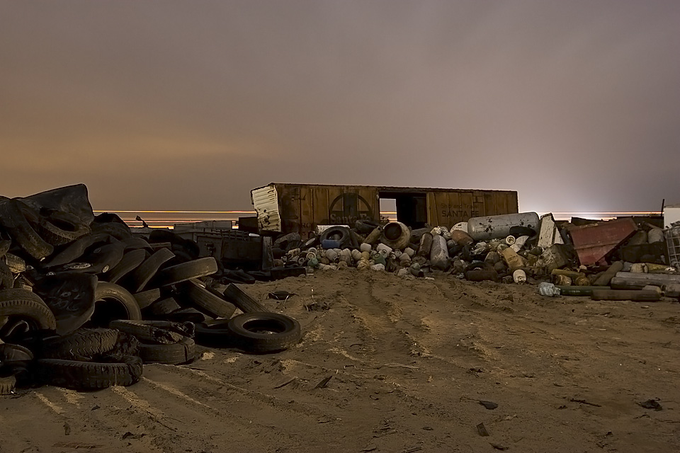 Scenic Santa Fe  :::::  Junkyards, recyclers.  Hinkley is where machines go to die.