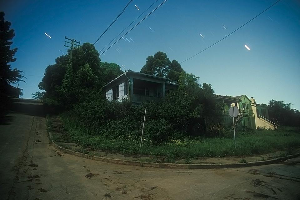 Corner of the Dead  :::::  The abandoned residential neighborhood.