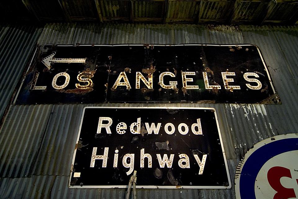 Black Signs  :::::  2006  ::::::  Kramer Junction, California.