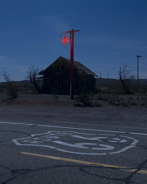 Red Star Rising  :::::  2008  ::::::  Ludlow, California.