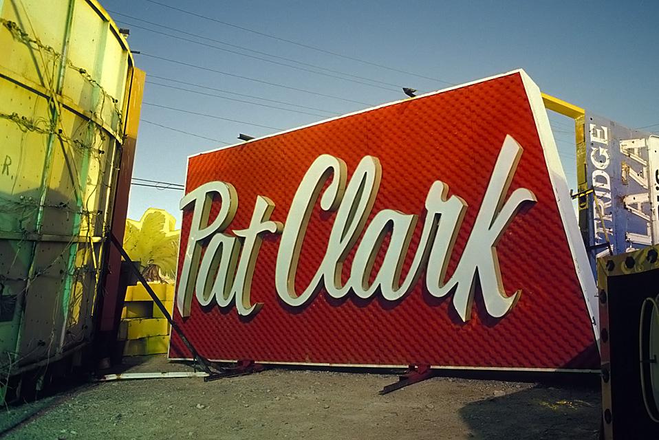 Pat Clark  :::::  2002  ::::::  Film  :::::  Las Vegas Neon Museum.