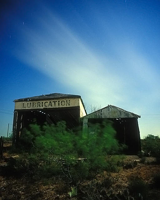 Lubrication  :::::  2003  :::::  Penwell, Texas.