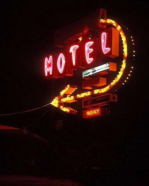 Sundowner Motel :::::  1992  :::::  Salton City.  Closed, burned down and bulldozed by 1995.