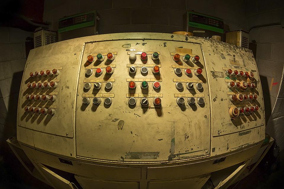 The Dirty Panel  :::::  San Francisco Chronicle Printing Plant