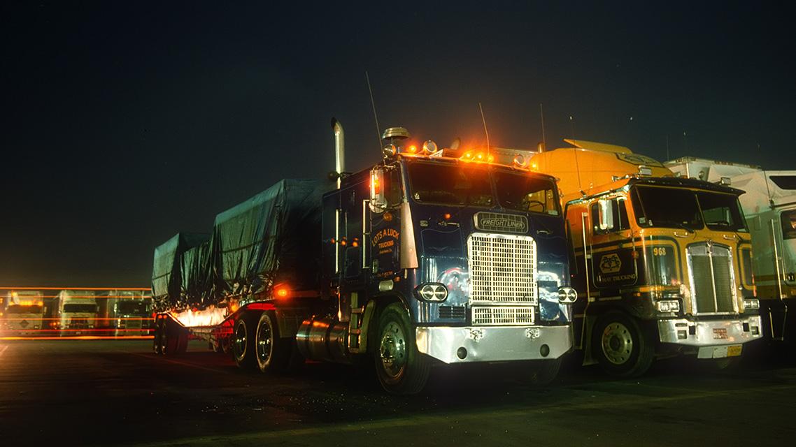 Lotsa Luck Trucking  :::::  December 1990